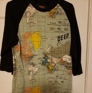 10 Deep XL Tshirt sloped world map